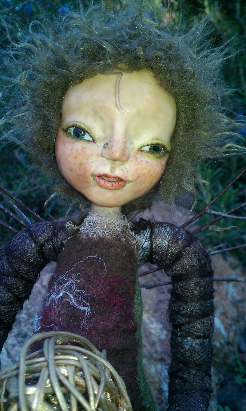 Tierra Earth Fae Close-up